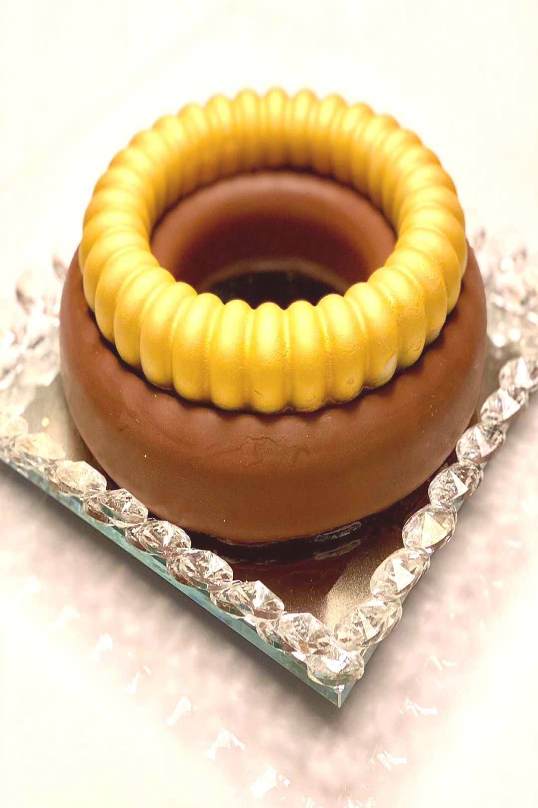 How about a bonbon cake now? You choose : - your favorite cake (