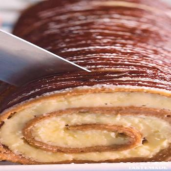 Banana Cheesecake Roll  Forget banana bread, use your brown or ripe bananas for this cheesecake rol
