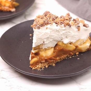 Epic Banoffee Pie This Banoffee Pie features two layers of dulce de leche and bananas nestled in a