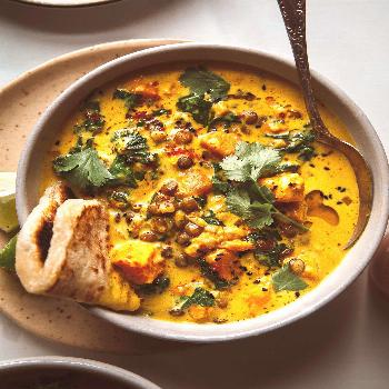 GINGERED SWEET POTATO AND COCONUT MILK STEW WITH LENTILS & KALE » The First Mess // Plant-Based Re