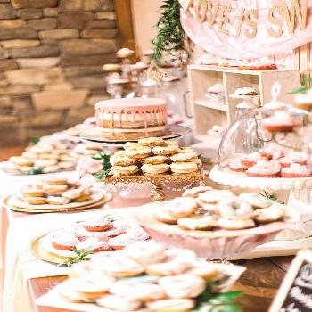 Hello, ultimate wedding sweet table inspiration! If you're planning a dessert table, this blush pin