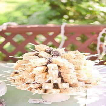 Looking for something fun for your Big Day? Check out these wedding dessert table ideas for a fun a