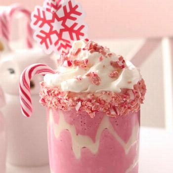 This sweet, candy cane frozen hot chocolate is super quick to whip up and will instantly put you in