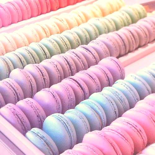 Pastel Macaroons, I need to make some again, but better this time! And Ill use the Italian meringu