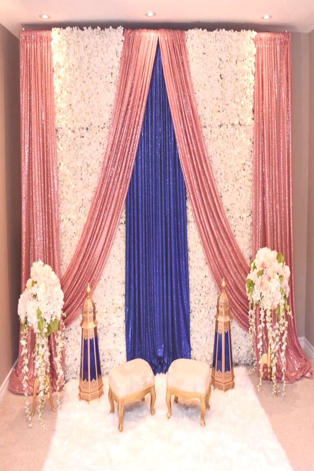 Sometimes simplicity is the most elegant. . . . Backdrop & Decor